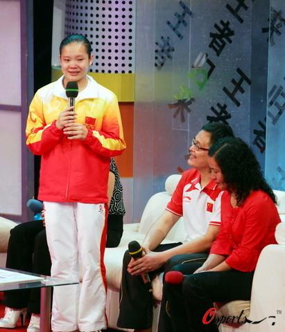 图文-湖北举行晚会欢迎奥运冠军 程菲讲述参奥历程