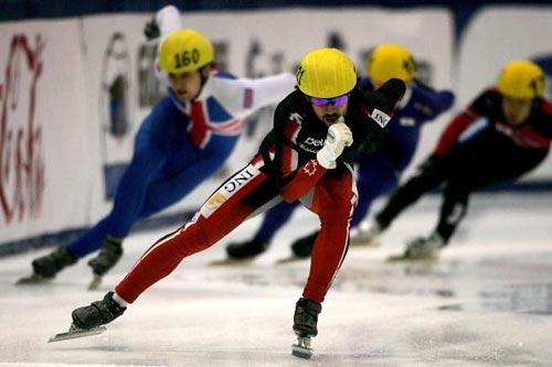 图文-短道速滑世界杯美国站加拿大选手哈梅林