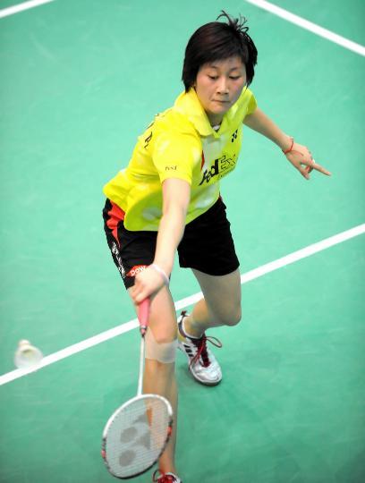 图文-香港羽毛球公开赛朱琳胜黄妙珠严密防守
