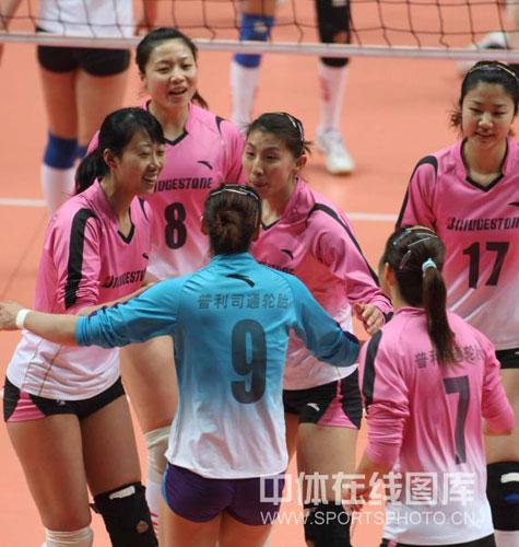 图文-女排总决赛I上海3-2天津天津女排众志成城