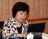图文-政协会议体育委员分组讨论谢军认真记录