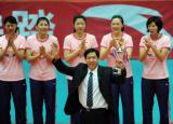 图文-全国女排联赛天津队成就第六冠最佳教练