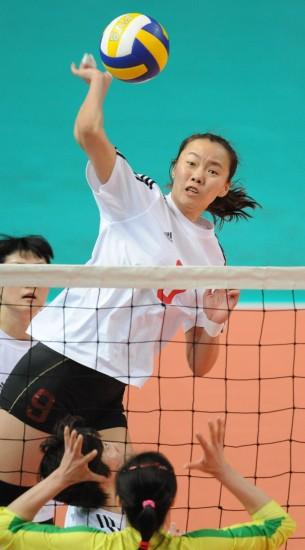 全运会女排预赛解放军3 0浙江 陈瑶势压对手