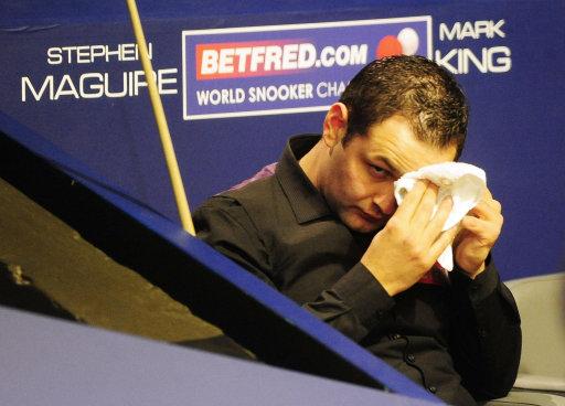 图文-斯诺克世锦赛次轮战况世界第2马奎尔难出状态