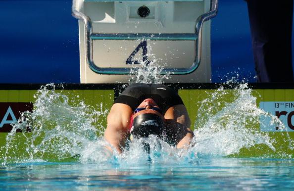 图文-游泳世锦赛女子100仰预赛考文垂掀起朵朵水花