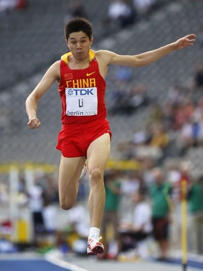 图文-李延熙获男子三级跳远第六中国李一鸣惊人