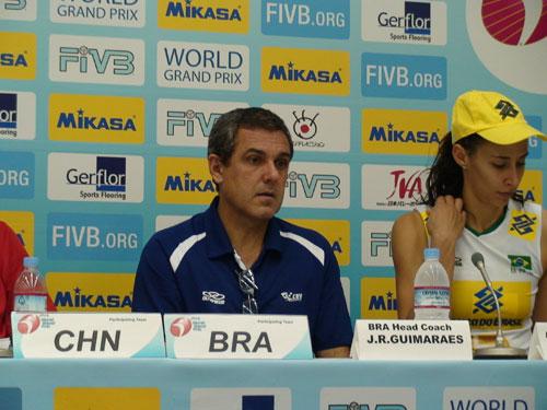 图文-世界女排大奖赛中国0-3巴西巴西主帅赛后发言