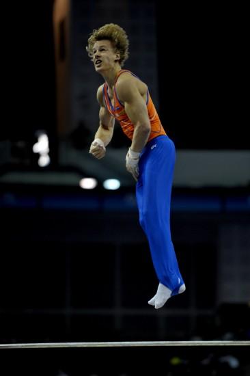 图文-体操世锦赛18日决赛赛况荷兰选手夺单杠银牌