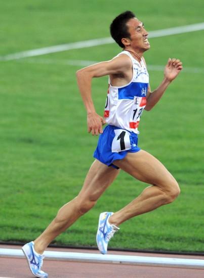图文:―林向前男子5000米夺冠