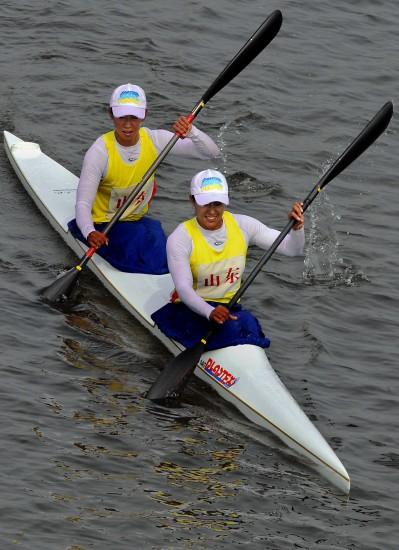 图文-女子双人皮艇500米决赛赛况山东选手夺银牌