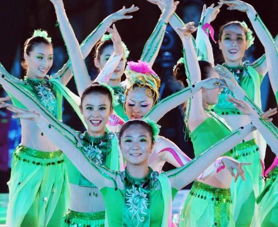 图文-第十一届全国运动会落下帷幕希望的舞蹈