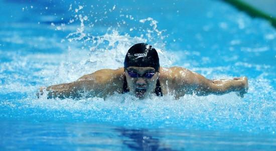 图文-游泳亚锦赛首日赛况周嘉威叱咤泳池