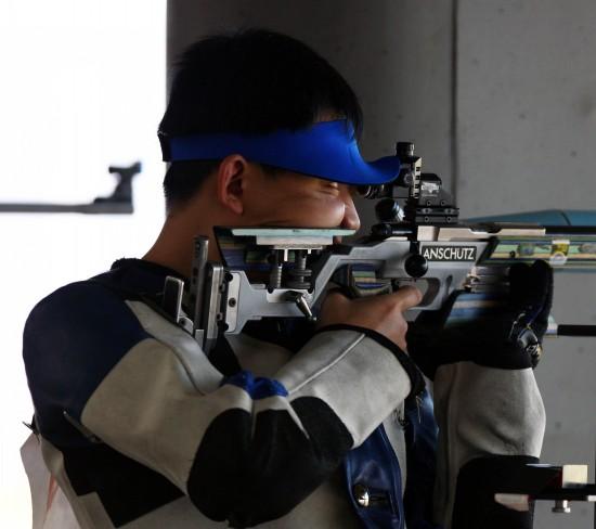 图文-全国射击总决赛12日赛况张付获得季军