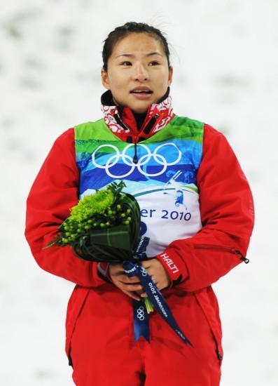 图文-自由式滑雪女子空中技巧决赛郭心心季军也欣喜