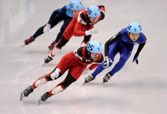 图文-加拿大选手男子500米夺冠哈梅林头名领滑