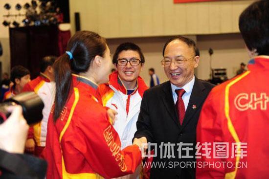 图文-总局举行联欢会欢迎冬奥代表团刘鹏欢迎健儿