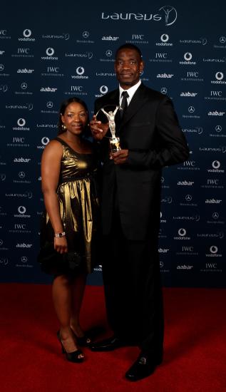 图文-2010年劳伦斯颁奖典礼盛况大叔与妻子合影