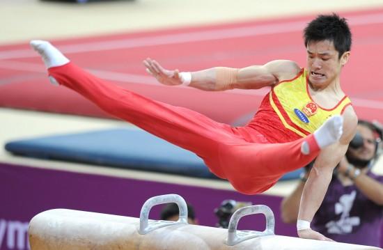 图文-体操世界杯卡塔尔站24日赛况董振东马上翻飞