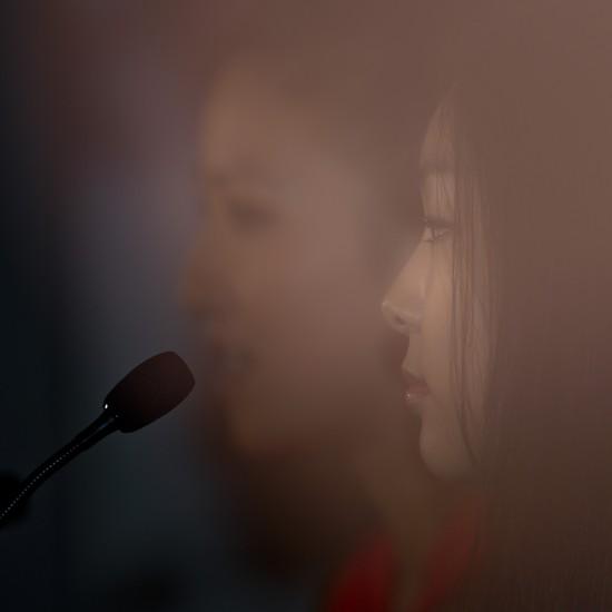 图文-关颖珊将与金妍儿联袂表演朦胧中的美女