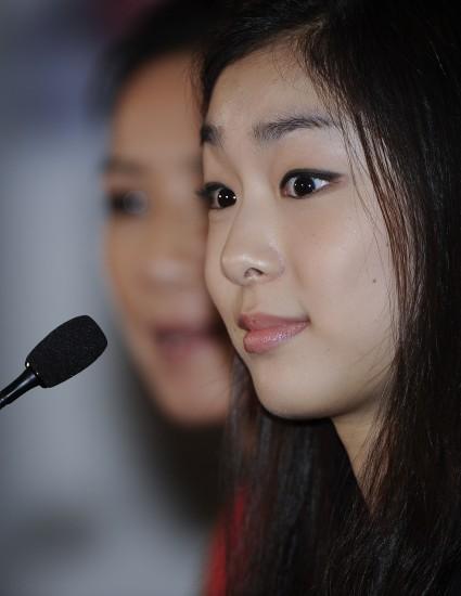 图文-关颖珊将与金妍儿联袂表演金妍儿可爱表情