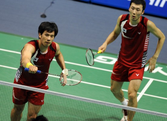 图文-中国羽毛球大师赛男双决赛韩组合力拼网前