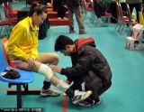 北京队员赛前缠绷带