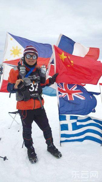 金飞豹成中国跑完七大洲极限马拉松第一人。