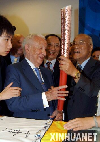 新华时评:赞奥林匹克精神 向萨马兰奇们致敬