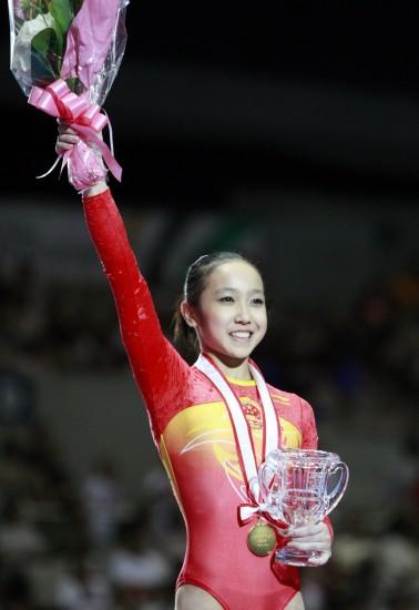 7大叔论坛新人图片区f-7月19日,黄秋爽在领奖台上.当日,在日本千叶举行的日本杯国际体