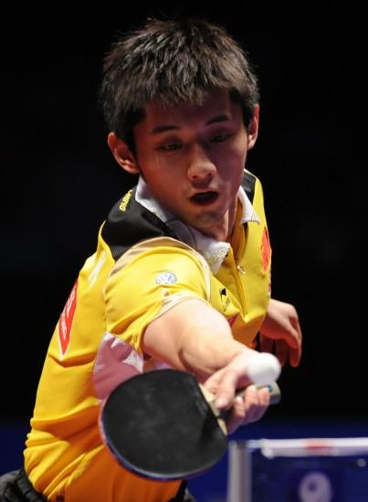 图文-中乒赛张继科胜马琳男单夺冠正手放个小球