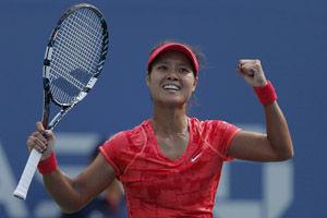 李娜抵挡对手反扑三盘险胜过关生涯首进美网4强