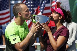 米尔扎/索阿雷斯浪费5赛点后险胜夺美网混双冠军