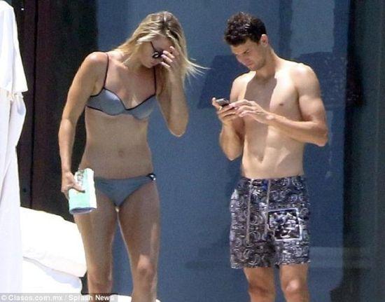 莎娃与迪米去年墨西哥度假