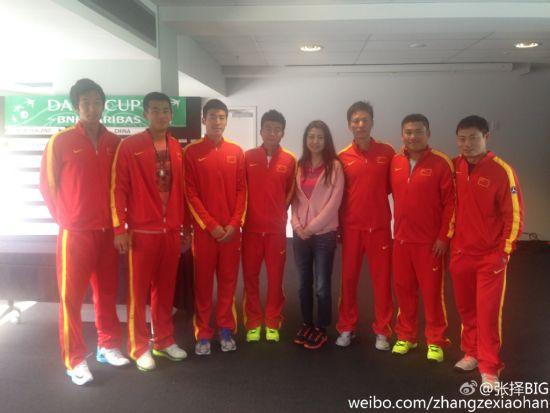 中国队赛前合影(图片来自张择微博)
