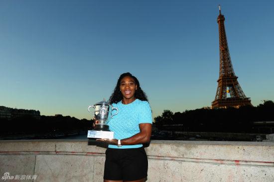 小威加冕法网女单冠军