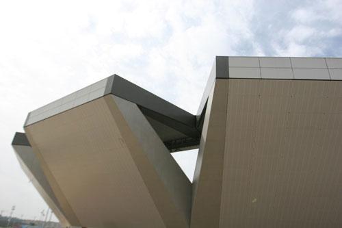 图文-奥运网球中心竣工交付使用 竣工日风和日丽
