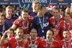 英超落幕-曼联狂欢庆祝加冕第19冠