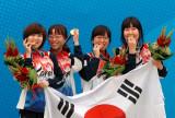 韩国女将轻咬金牌