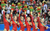 中国体操女队领奖