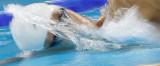 韩国选手奋力划水
