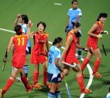 中国姑娘庆祝进球