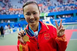 彭帅两盘完胜乌兹别克女巨人加冕亚运女单冠军